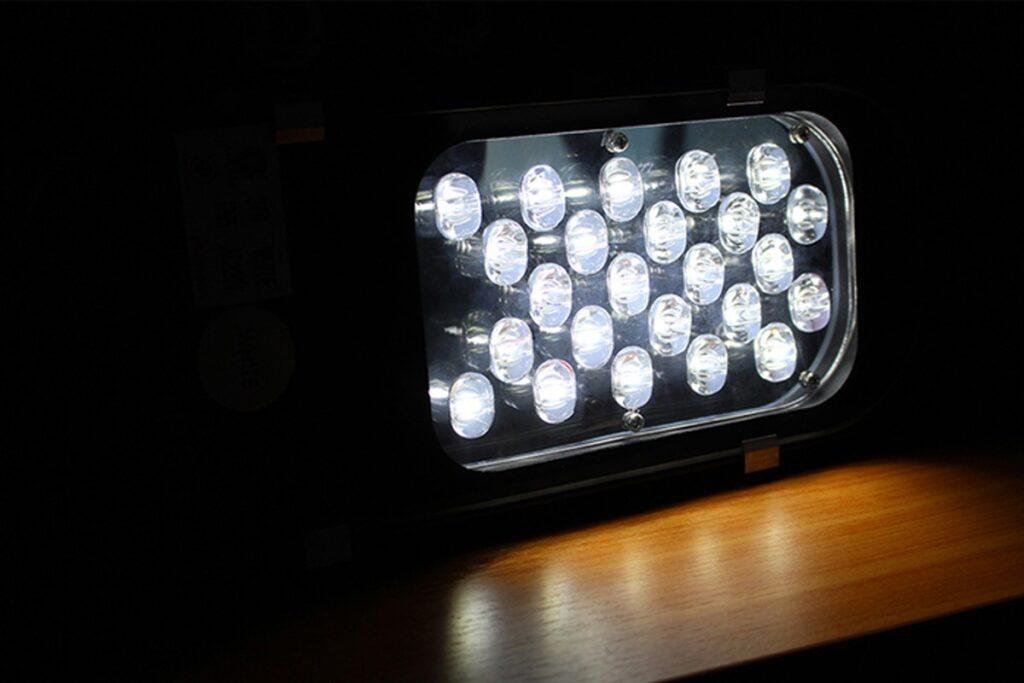โคมไฟถนน led street light 24w วอร์มไวท์ iwachi