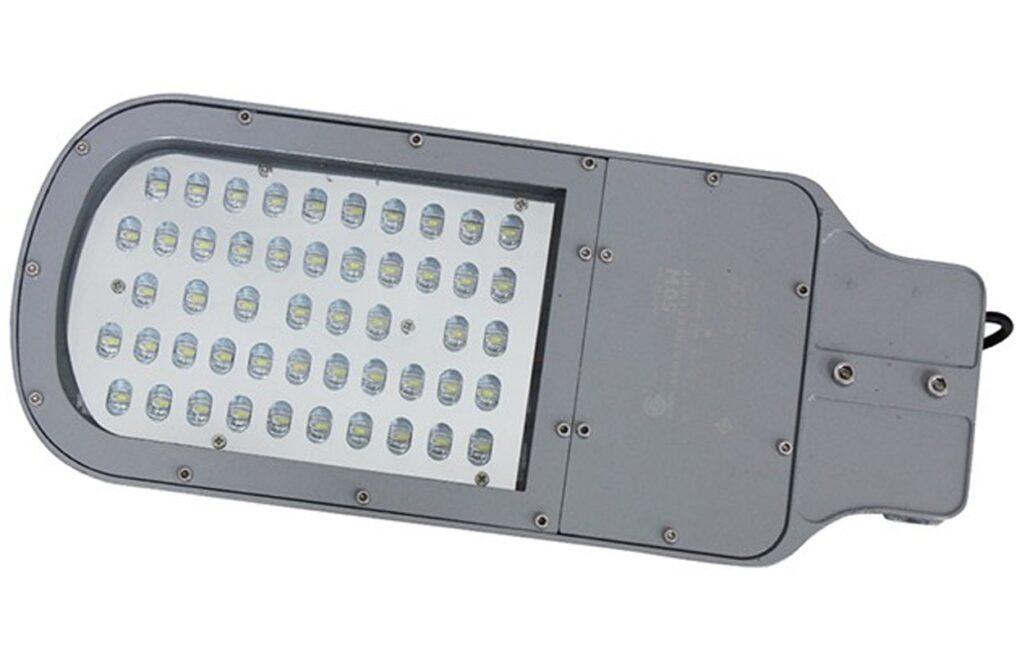 โคมไฟถนน led street light 50w แสงเดย์ไลท์ iwachi