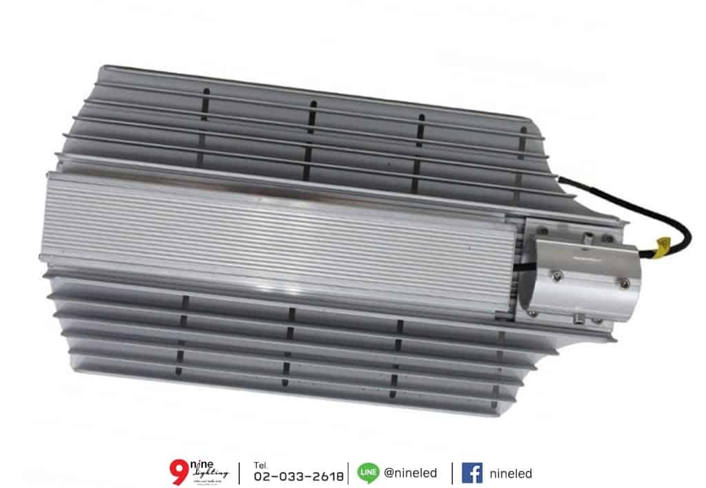โคมไฟถนน LED Street Light 200w (วอร์มไวท์) IWACHI แผงด้านหลัง